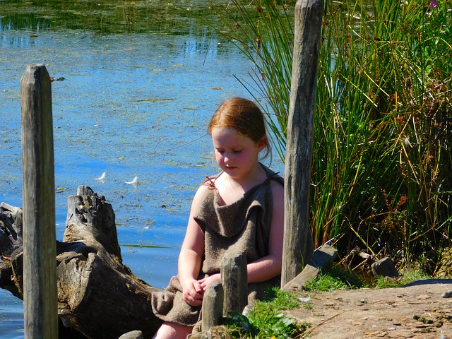 maxpixel.freegreatpicture.com Little Girl Viking Village Lake Vikings Denmark 943509